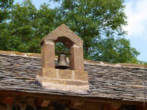 Cloche typique des maisons de Béates (Chapteuil)