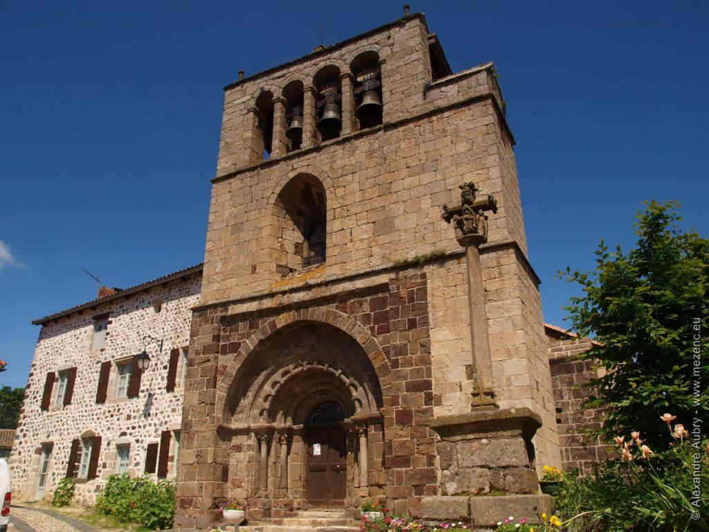 Clocher-peigne de l'église d'Arlempdes