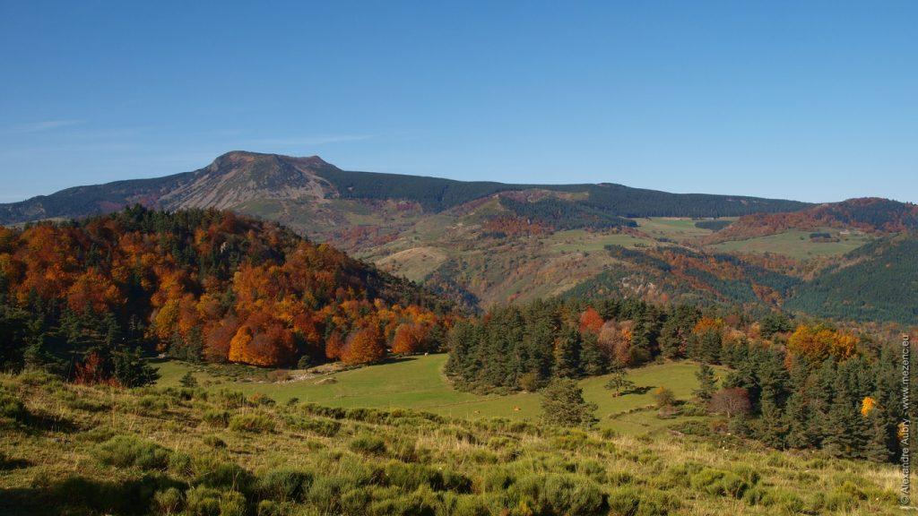 Paysage des Boutières et Mont Mézenc