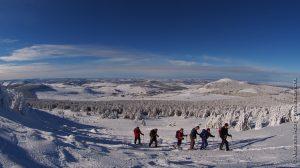 Raquettistes au Mont Mézenc