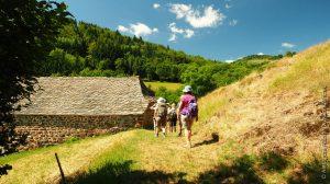 Randonnée dans une vallée des Boutières, près de Saint Clément